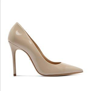 Schutz Caiolea pumps in nude patent leather